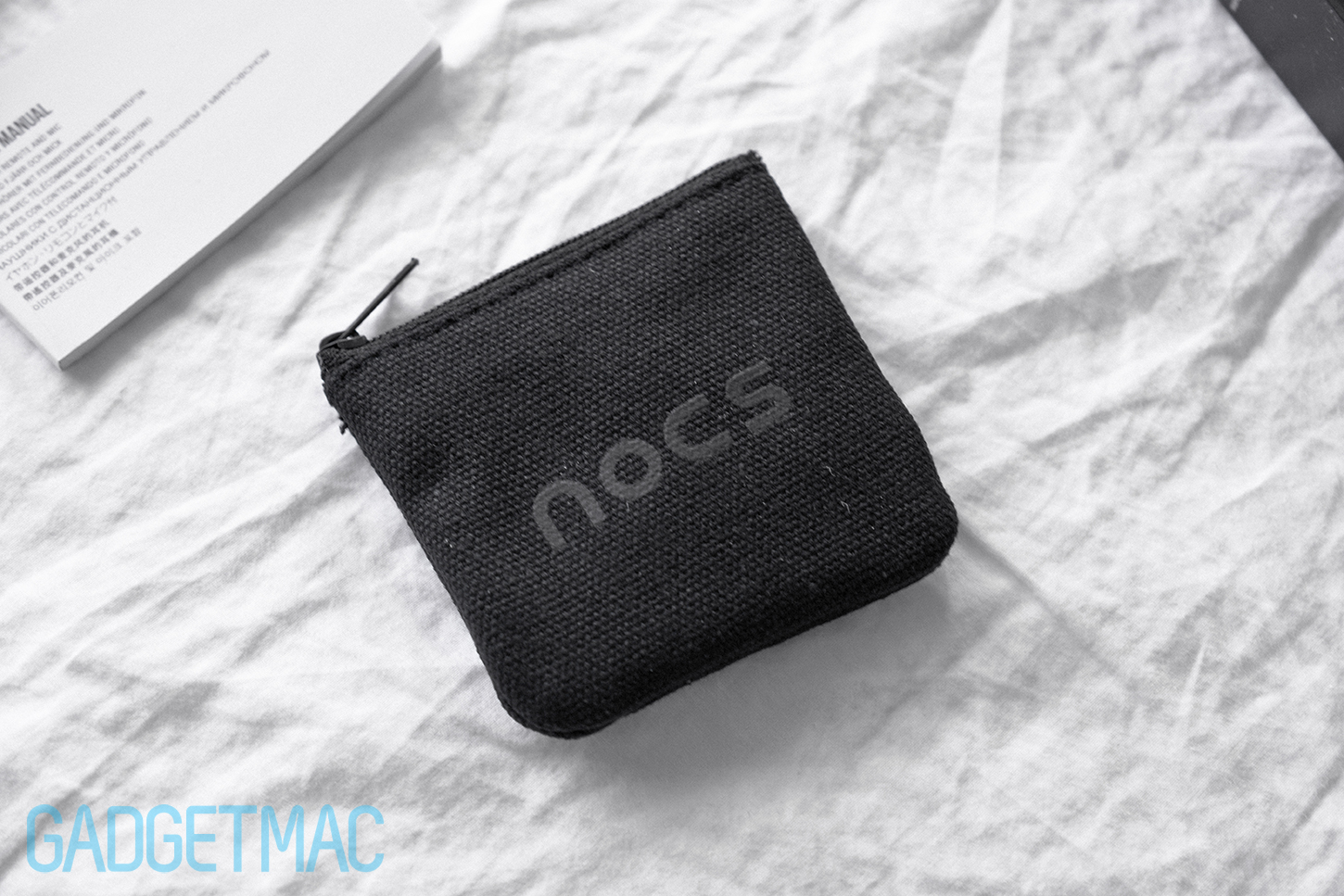 nocs-ns500-aluminum-included-carry-pouch.jpg