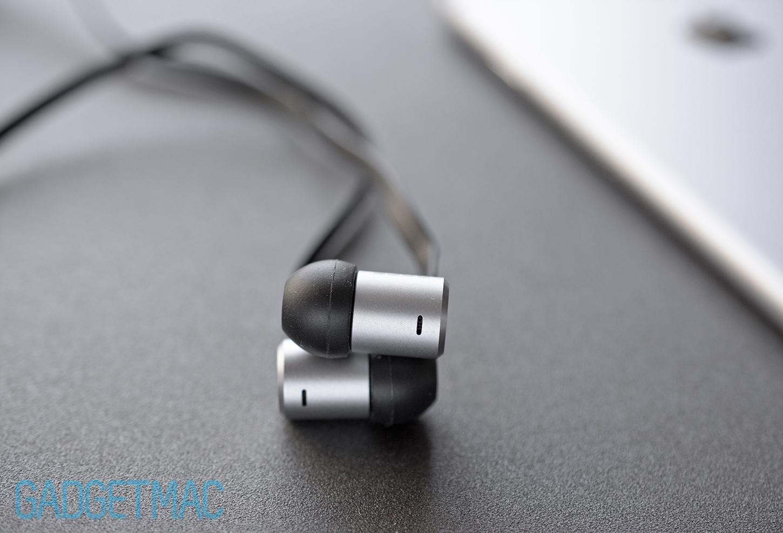nocs-ns500-aluminum-in-ear-headphones-air-vents.jpg