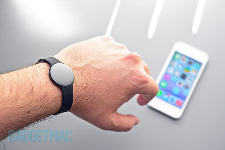 misfit-shine-sport-band-wrist-fitness-tracker.jpg