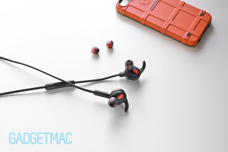 jabra_rox_wireless_in_ear_headphones_earwings_2.jpg