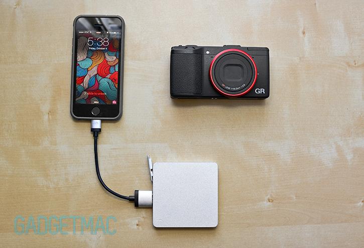 calibre_ultra_go_mini_aluminum_vibrating_external_backup_battery_pack_iphone_5s.jpg