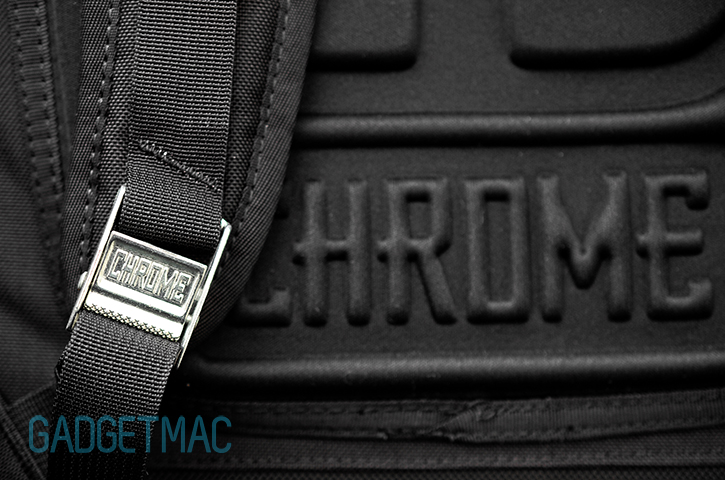 chrome_niko_camera_pack_metal_buckle.jpg