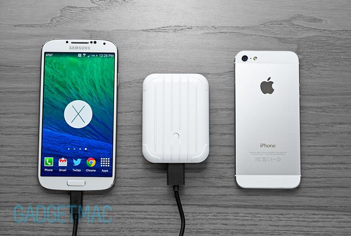 justmobile_gum_plusplus_iphone_5_galaxy_s4_usb_charging_battery.jpg
