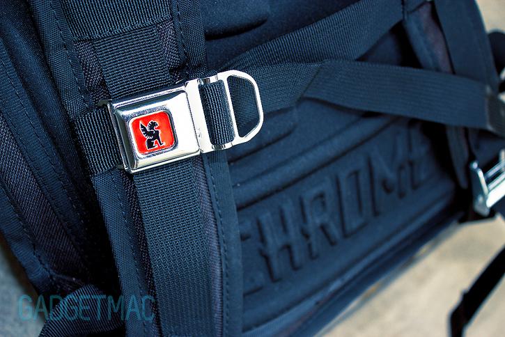 chrome_bravo_backpack_quick_release.jpg