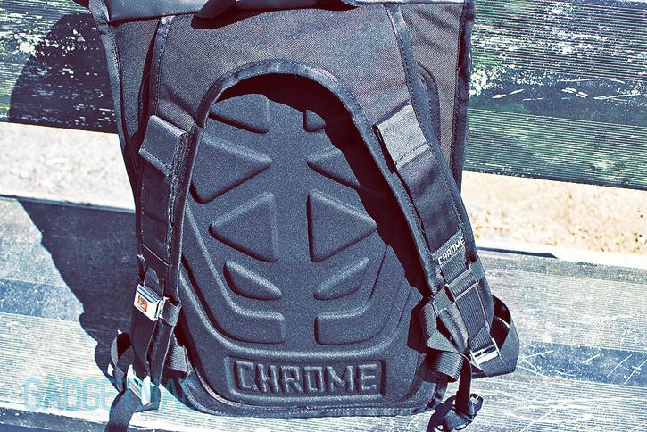 chrome_bravo_shoulder_straps.jpg