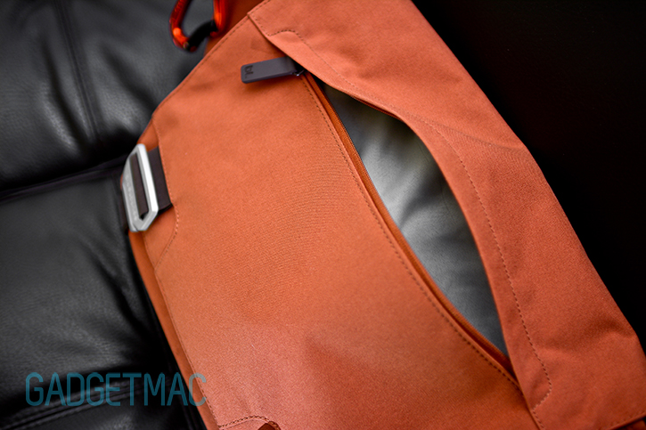 bluelounge_messenger_bag_rust_top_front_zippered_compartment.jpg
