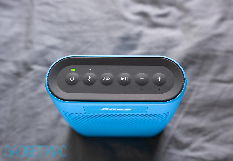 bose-soundlink-color-speaker-top-button-controls-led-lights.jpg