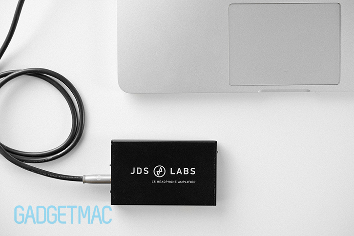 jds_labs_c5_portable_headphone_amp_macbook_pro.jpg