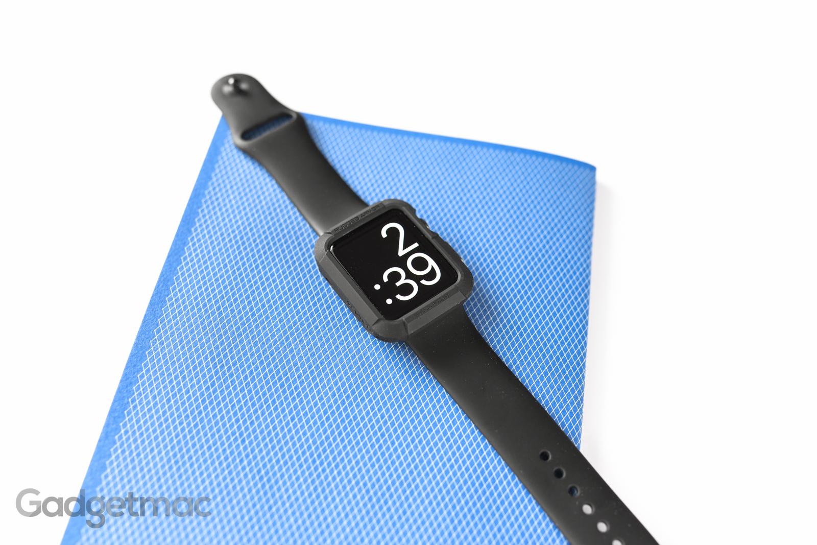 spigen-rugged-armor-case-for-apple-watch-space-gray-black.jpg