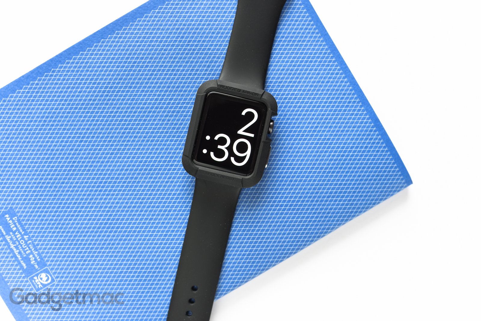 spigen-rugged-armor-case-for-apple-watch-space-gray-black-top.jpg