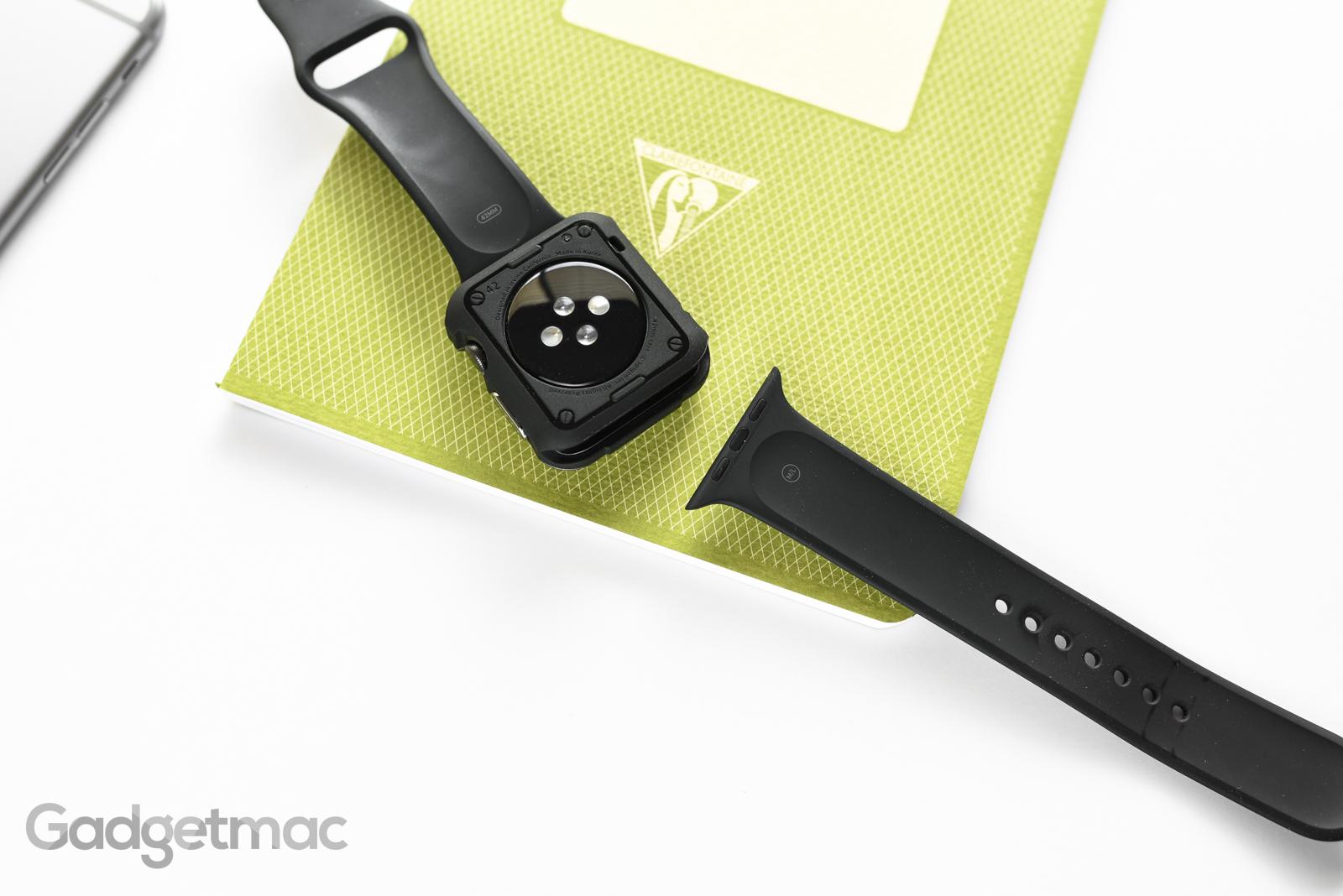 spigen-apple-watch-tough-armor-case-with-built-in-screen-protector-back.jpg