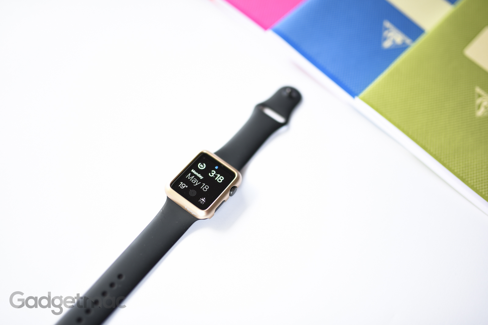 spigen-champagne-gold-thin-fit-case-for-apple-watch.jpg