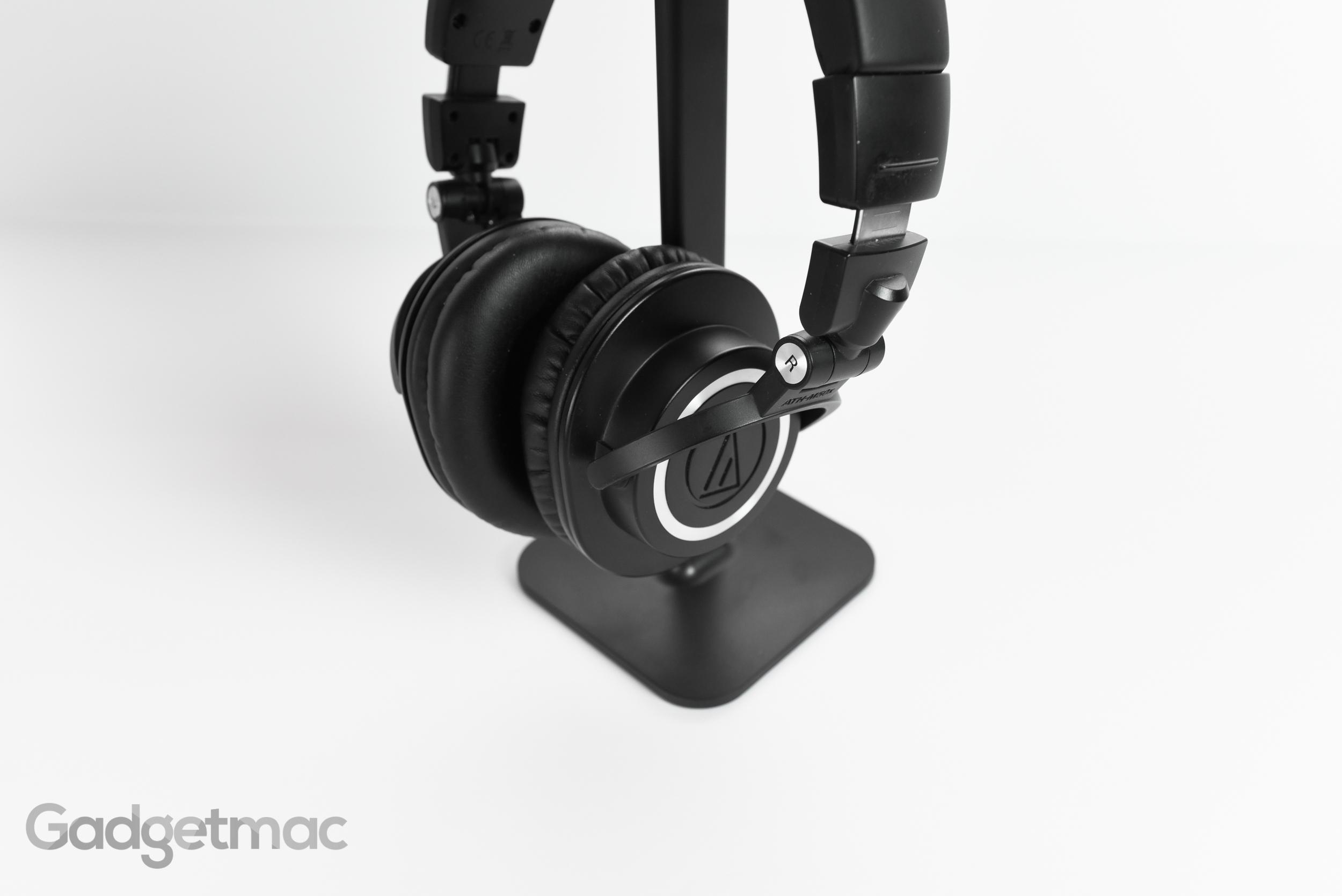 bluelounge_posto_headphone_stand_clamping_2.jpg