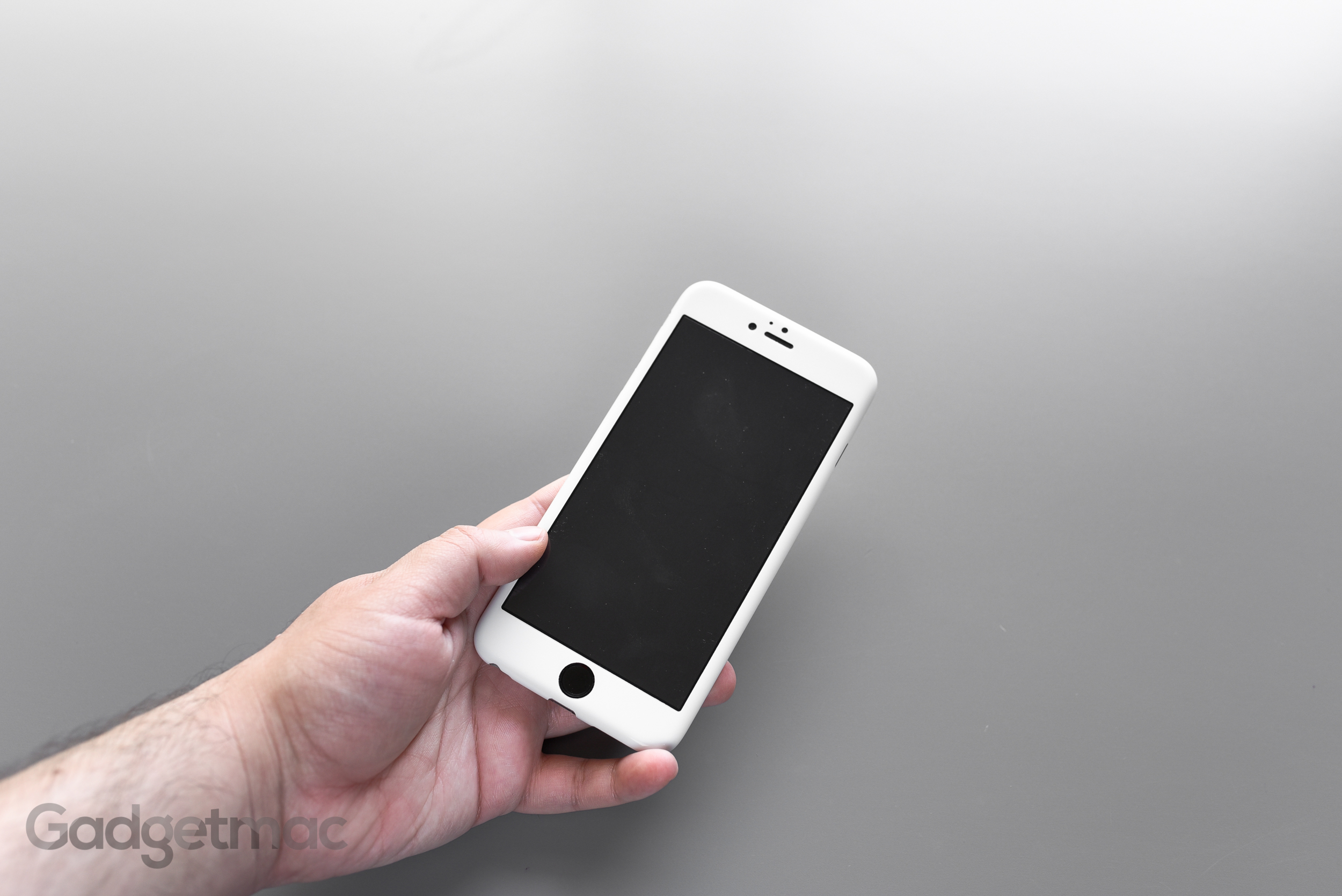 switcheasy_airmask_iphone_6_plus_2_white_front.jpg