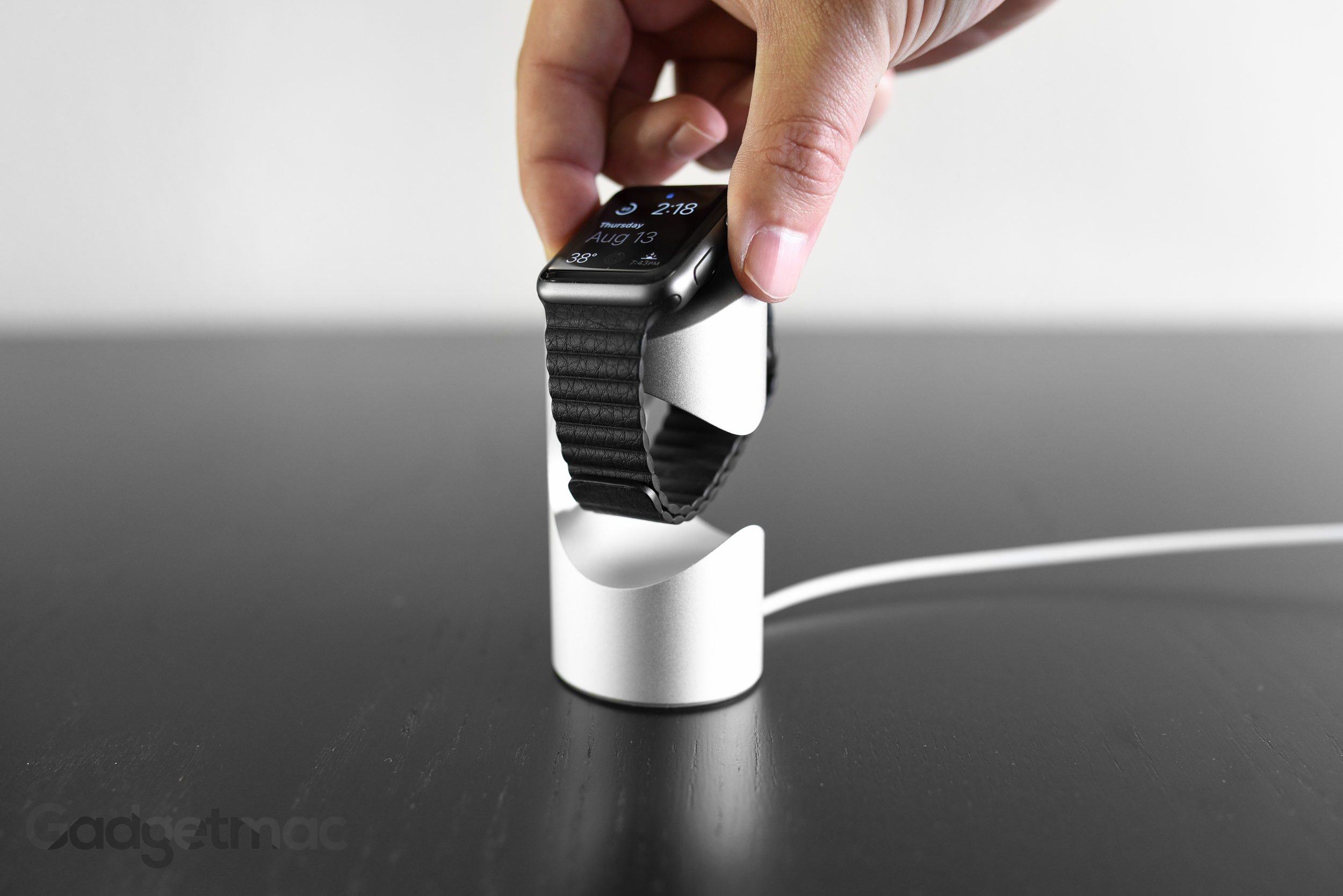 timestand-aluminum-charging-dock-stand-for-apple-watch.jpg