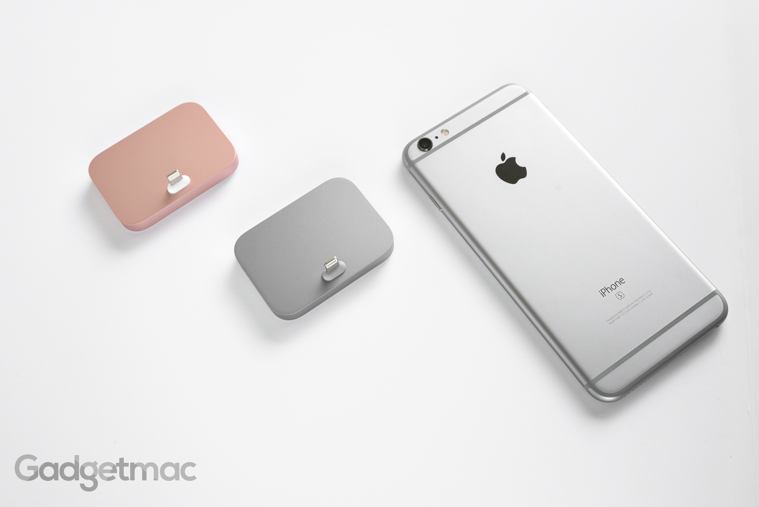 apple-aluminum-lightning-dock-for-iphone-6s-hero.jpg
