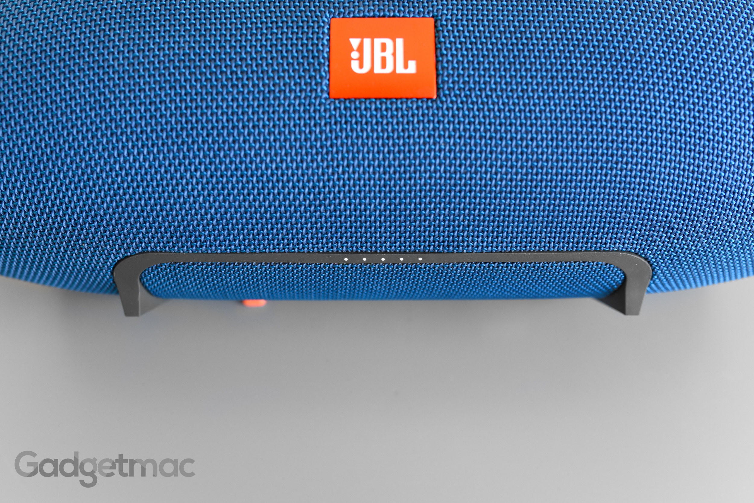 jbl-xtreme-led-battery-meter.jpg