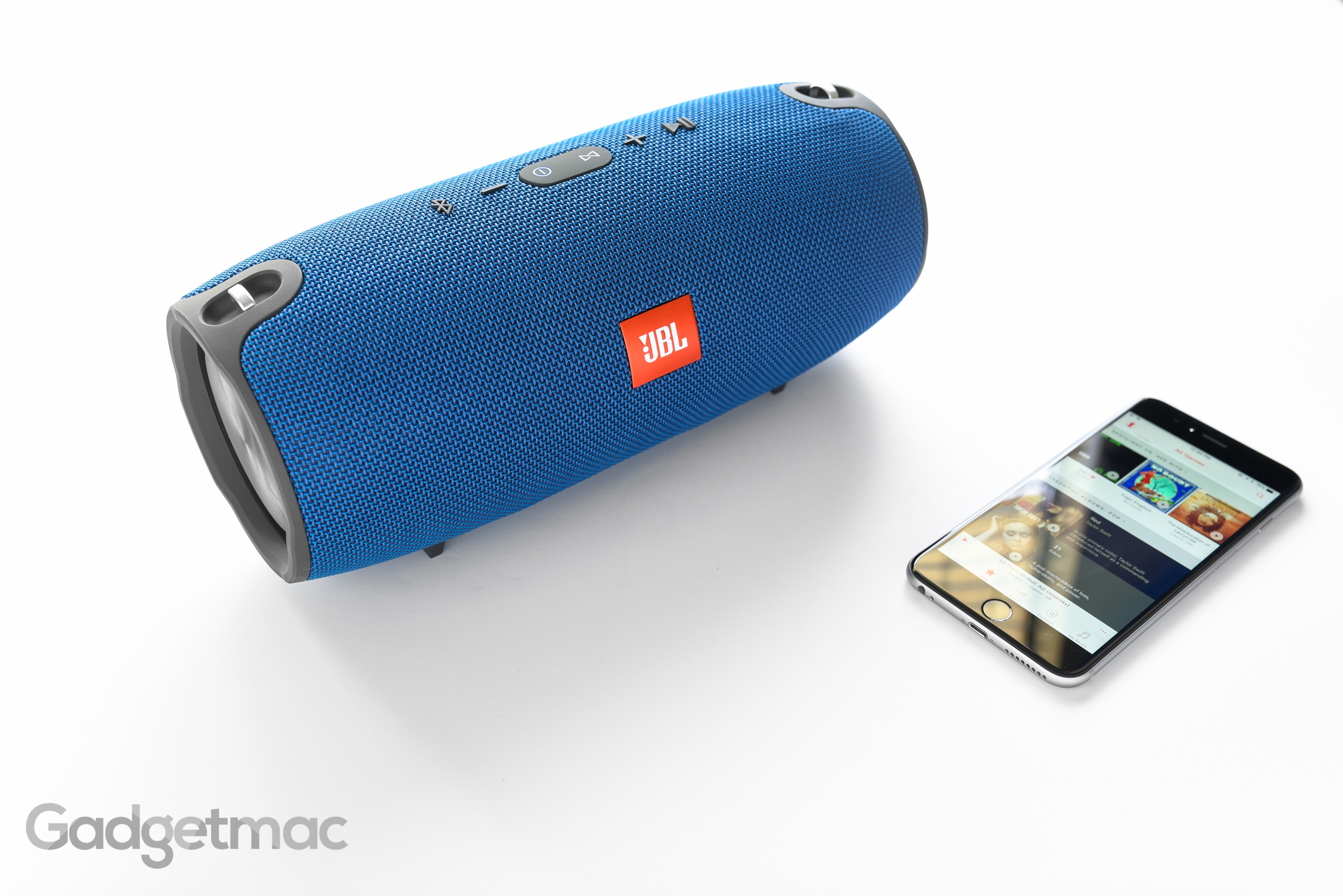 jbl_xtreme_portable_bluetooth_speaker_2.jpg