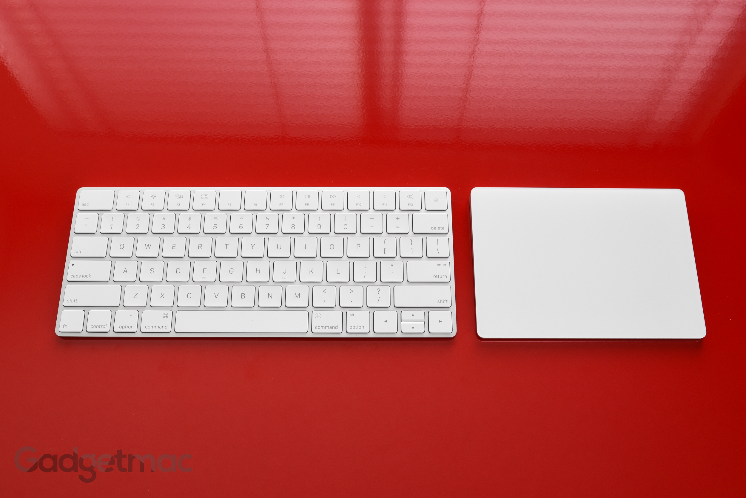 apple-magic-keyboard-next-to-magic-trackpad-2.jpg