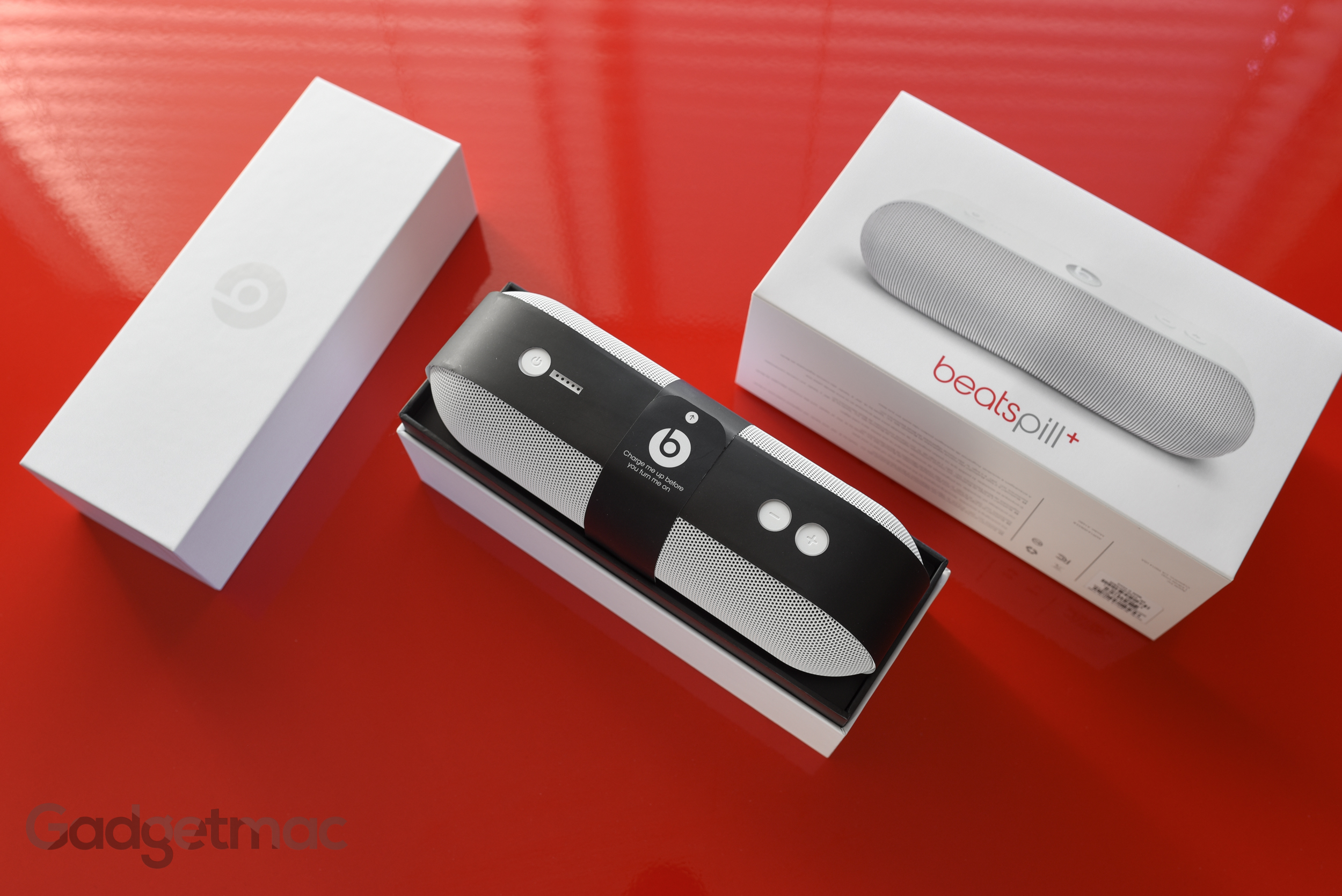 beats-pill-plus-unboxed.jpg