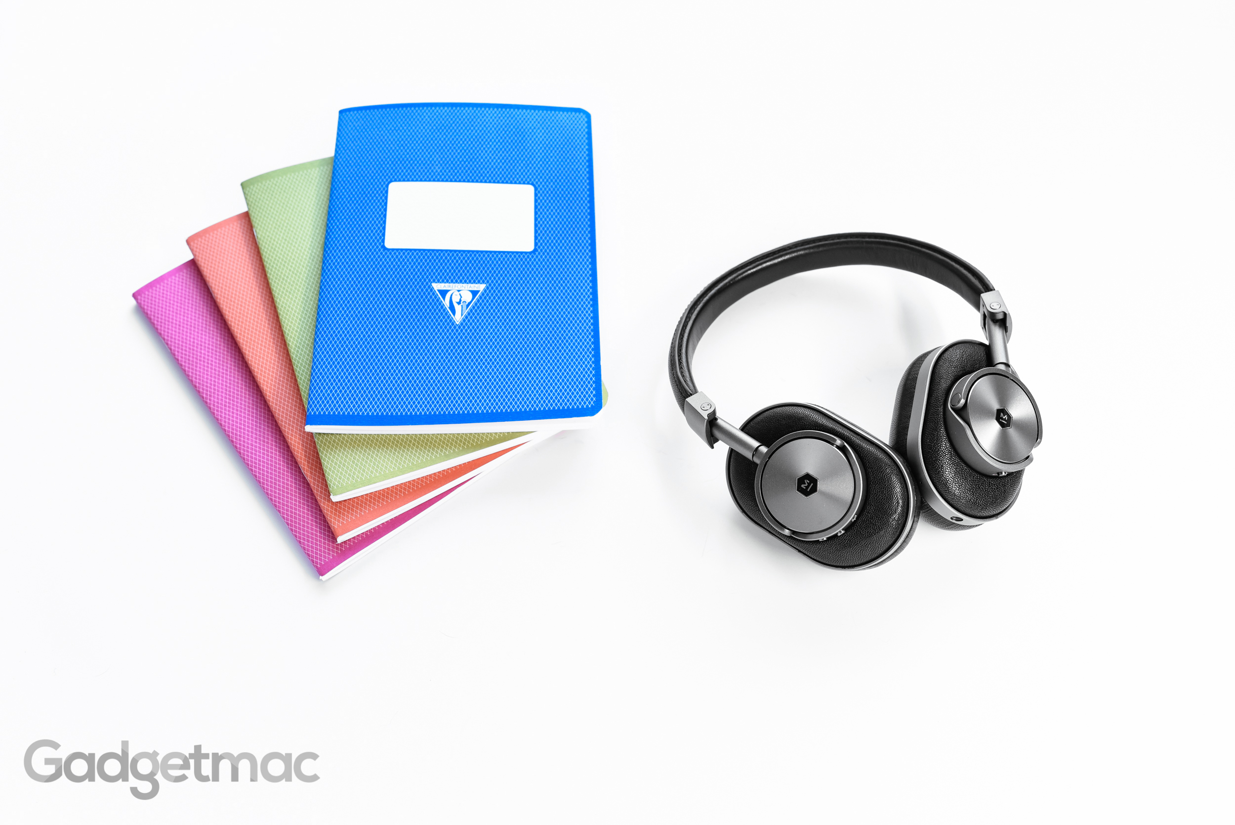 mw60-wireless-over-ear-headphones.jpg