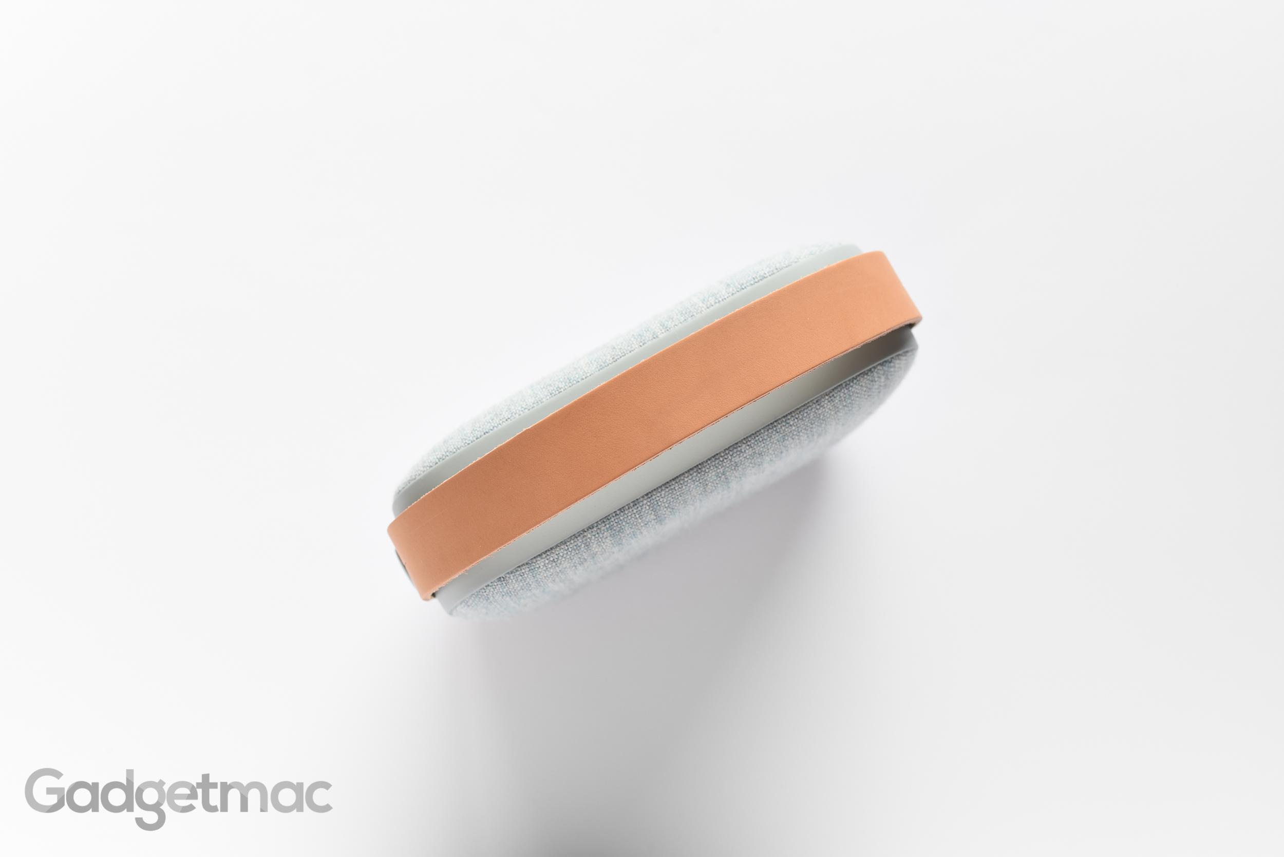 vifa-helsinki-leather-carry-handle-speaker.jpg