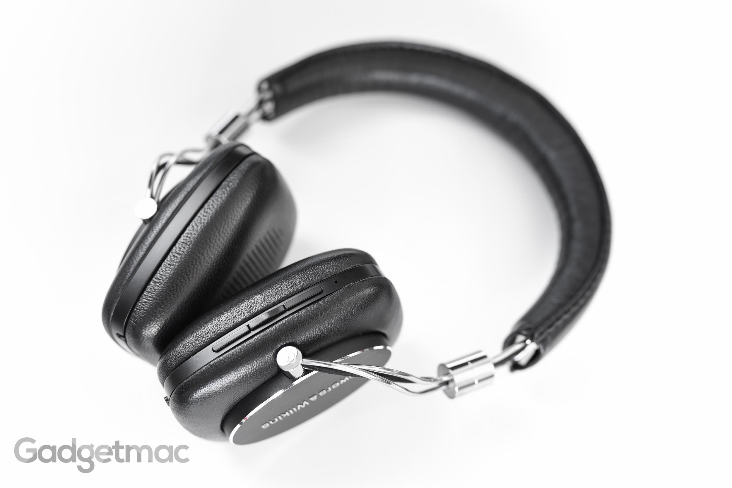 bowers-wilkins-p5-wireless-headphones-on-board-button-controls.jpg