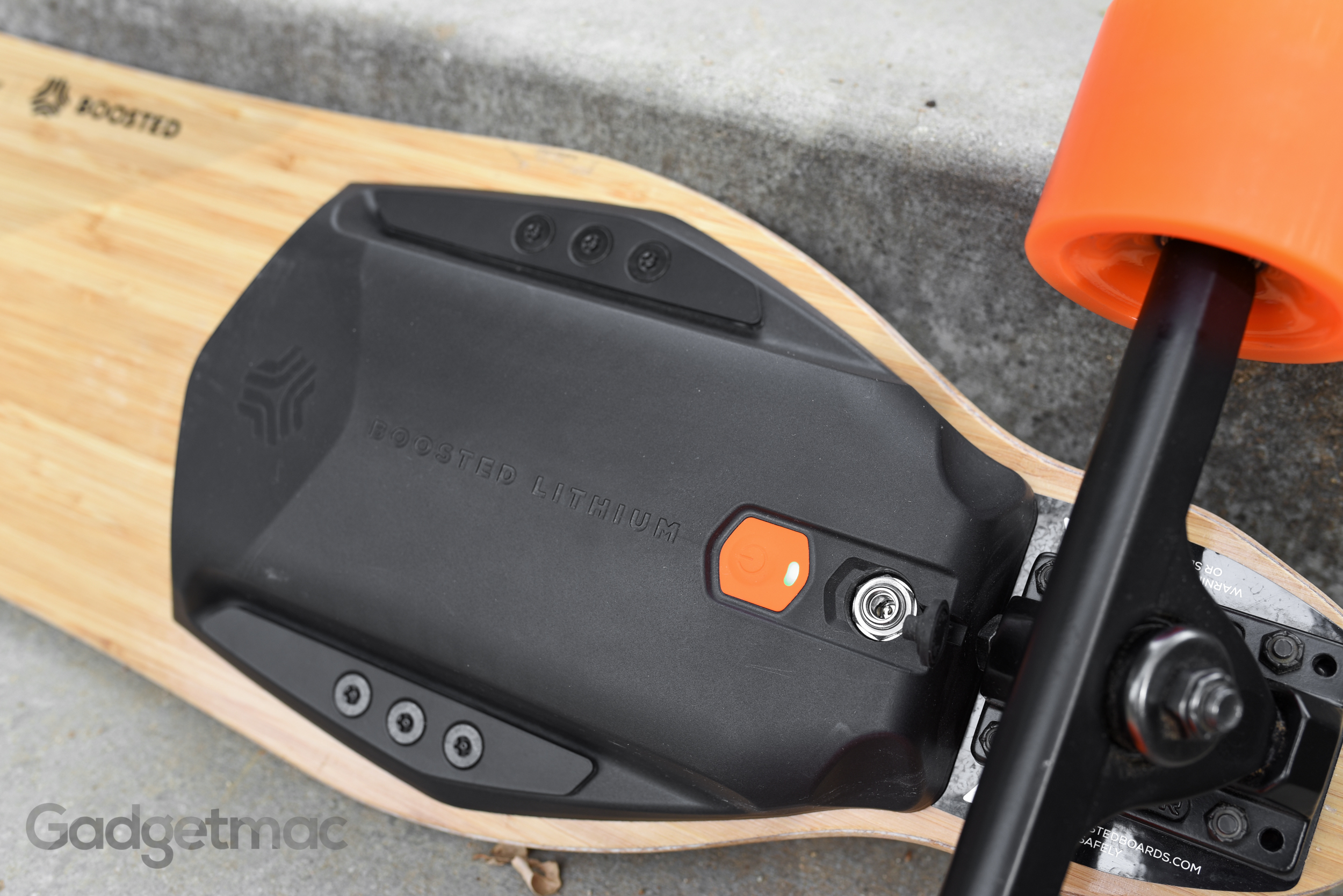 boosted-board-charging-port.jpg