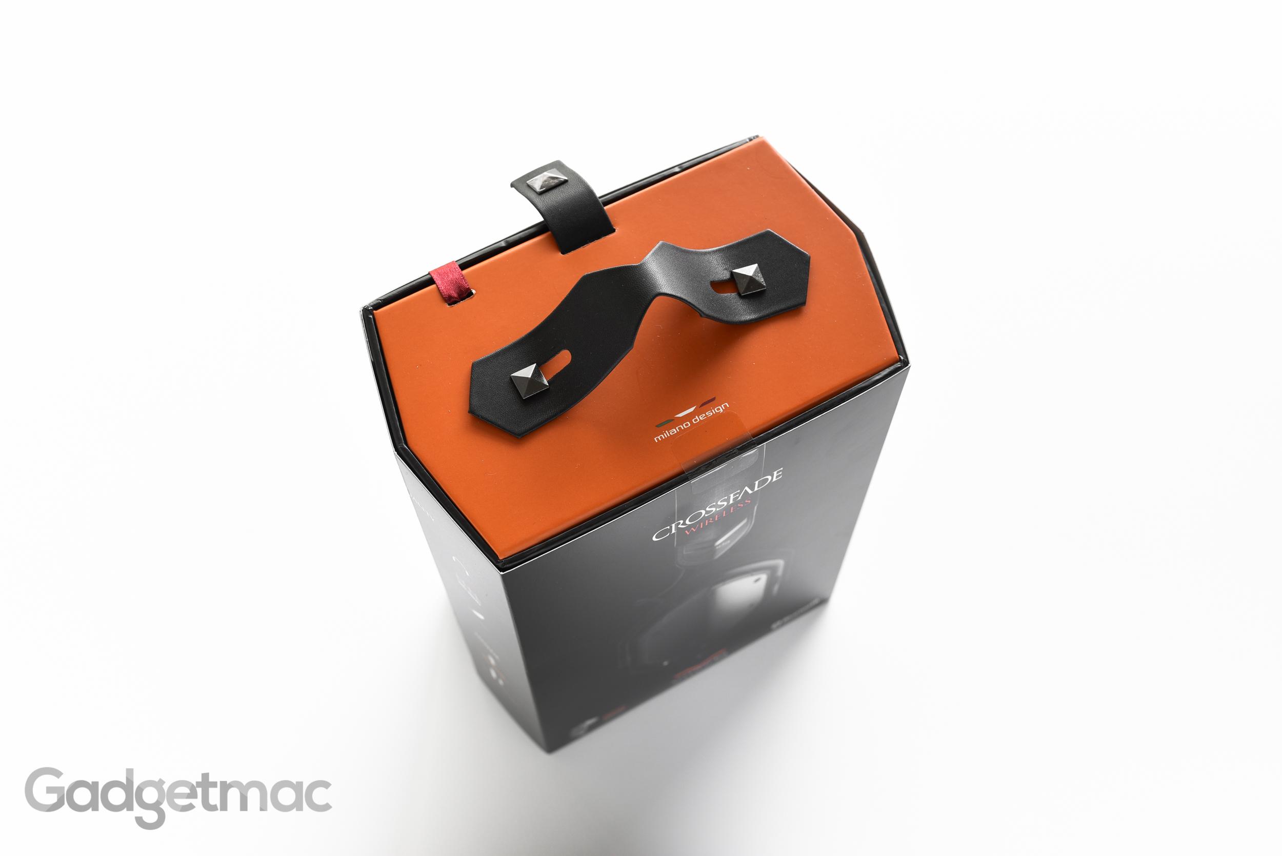 v-moda-crossfade-wireless-packaging-top.jpg