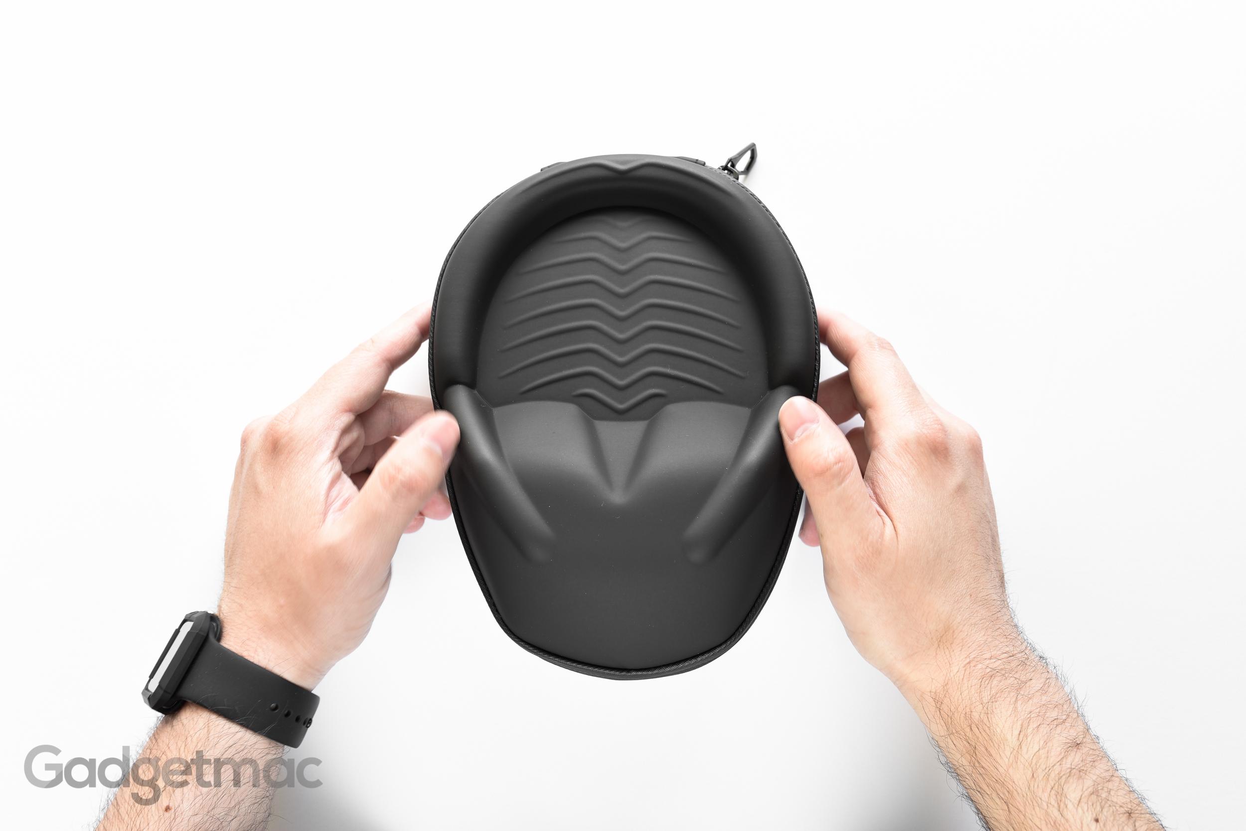 v-moda-crossfade-wireless-hard-shell-exoskeleton-case.jpg