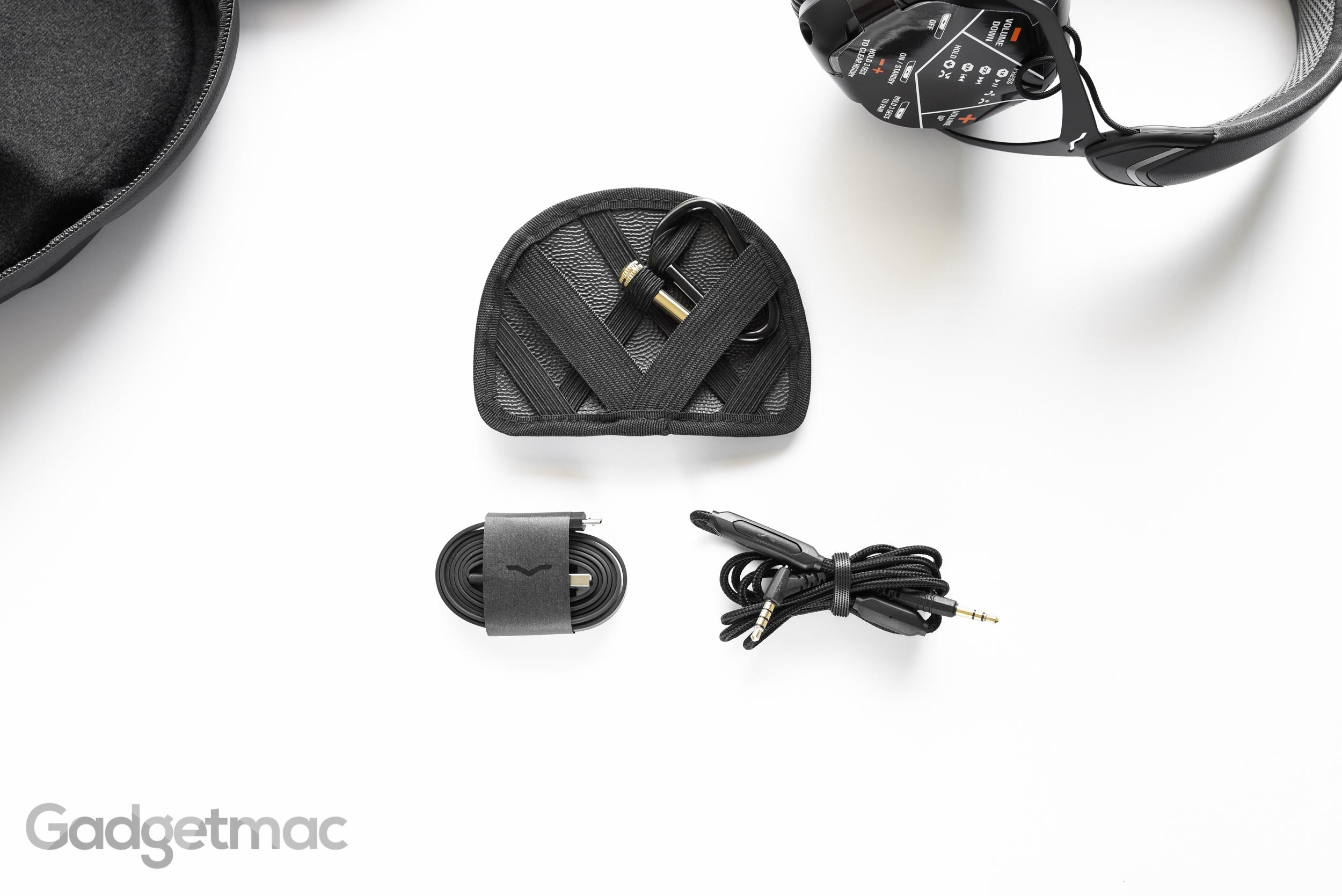 v-moda-crossfade-wireless-included-accessories.jpg