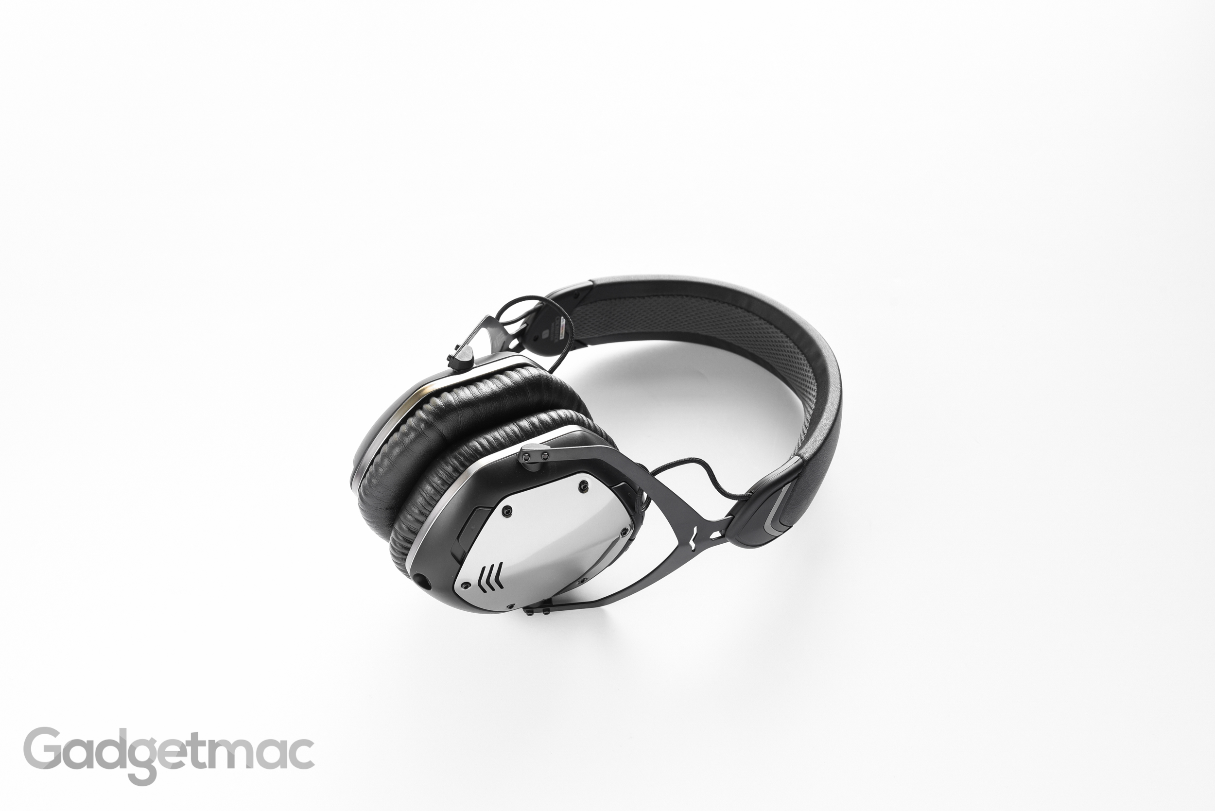 vmoda-crossfade-wireless-metal-chrome.jpg