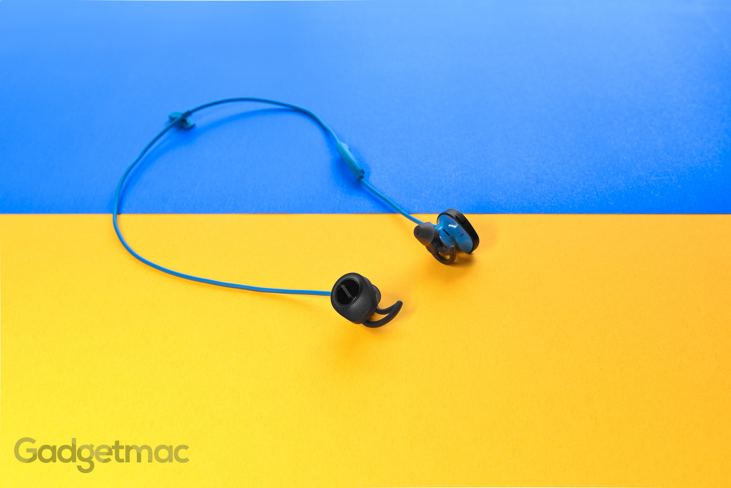 bose-soundsport-wireless-earphones.jpg