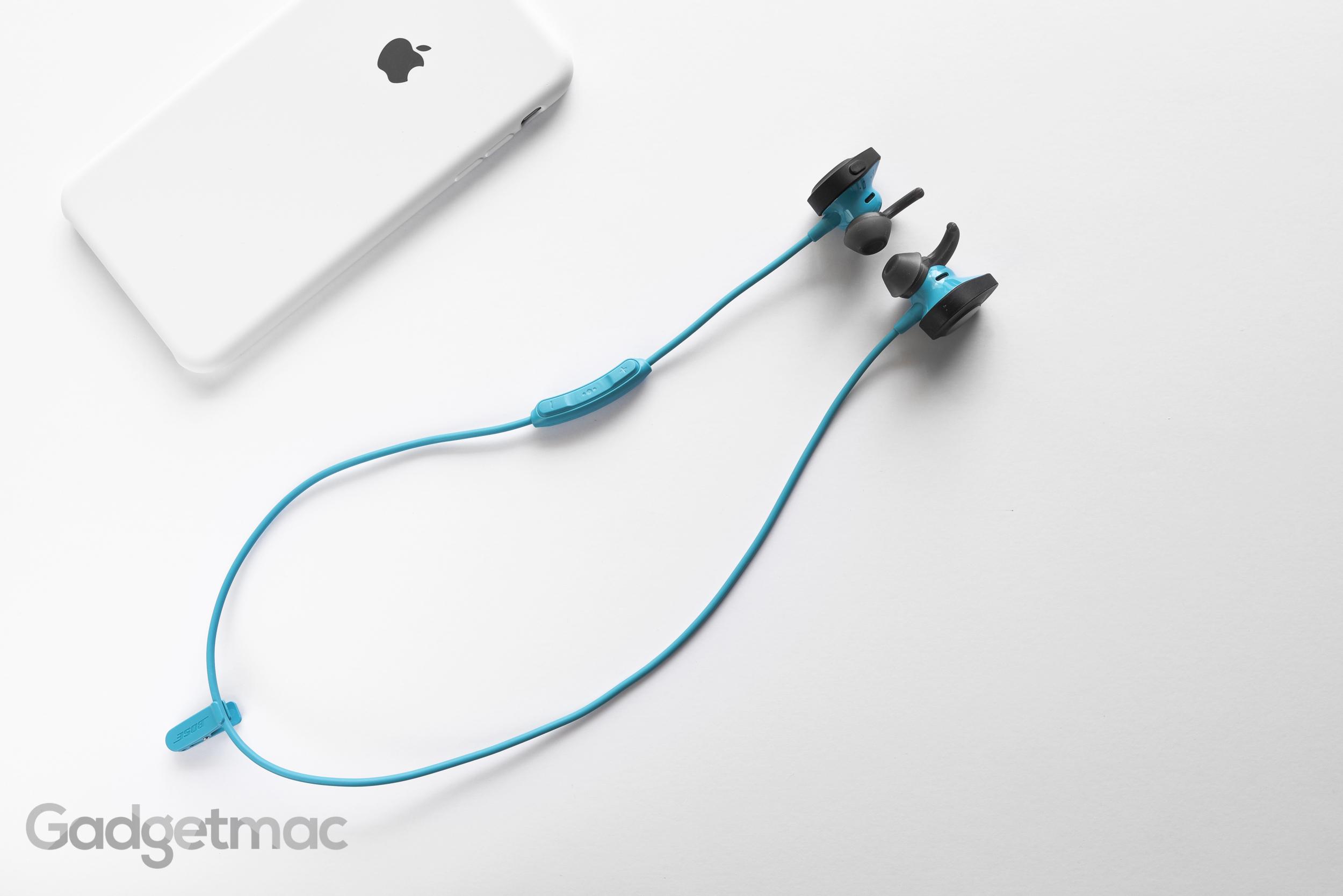 bose-soundsport-wireless-in-ear-headphones-cable.jpg