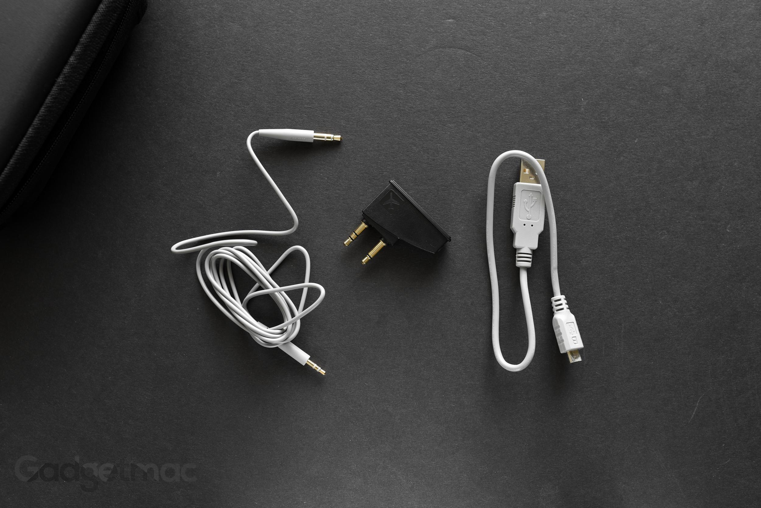 bose-quietcomfort-35-included-accessories.jpg