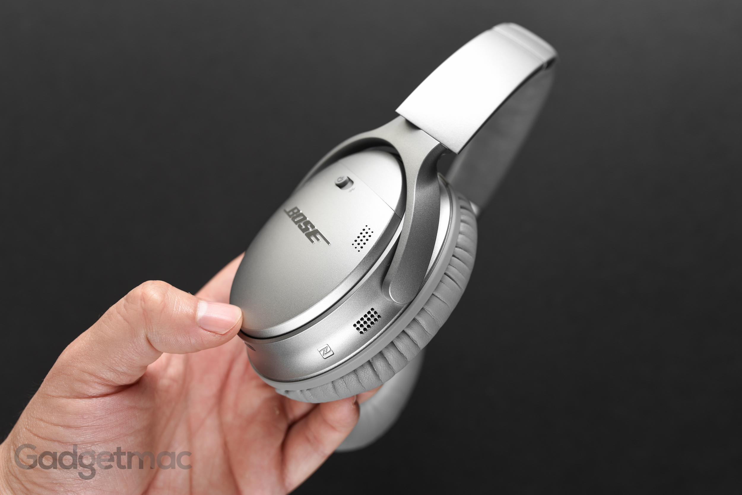 bose-qc35-wireless-headphones-microphones.jpg