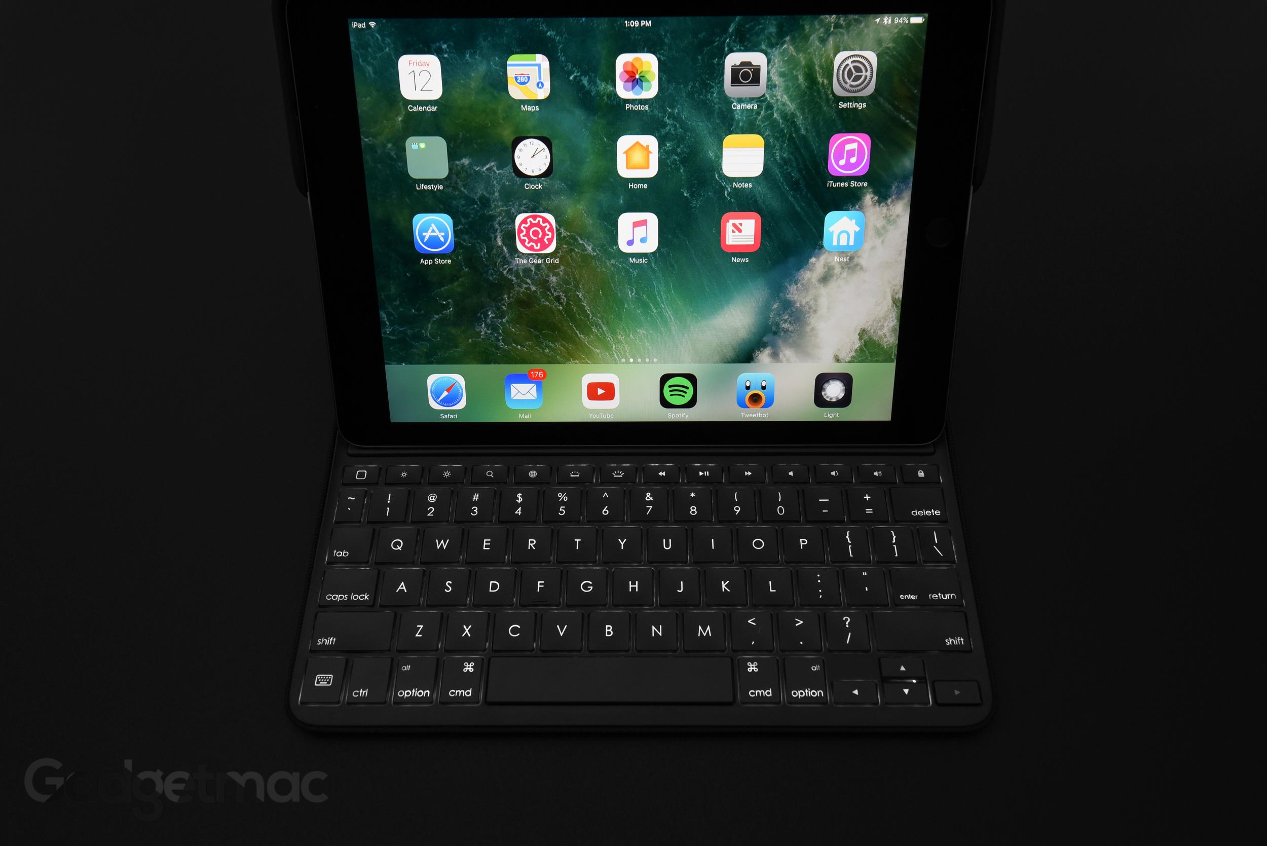 logitech-create-backlit-ipad-pro-keyboard-case.jpg