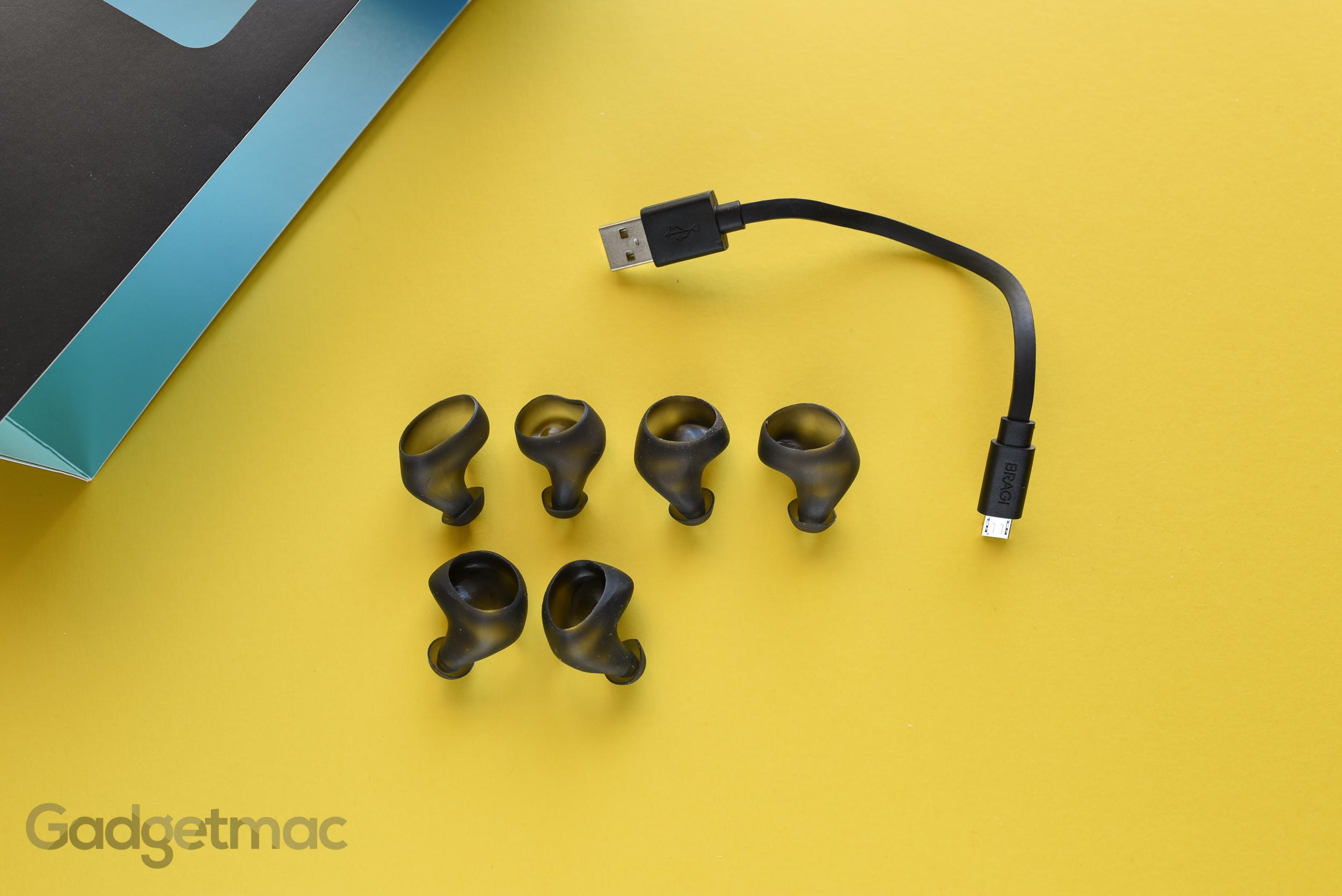 bragi-dash-included-accessories.jpg