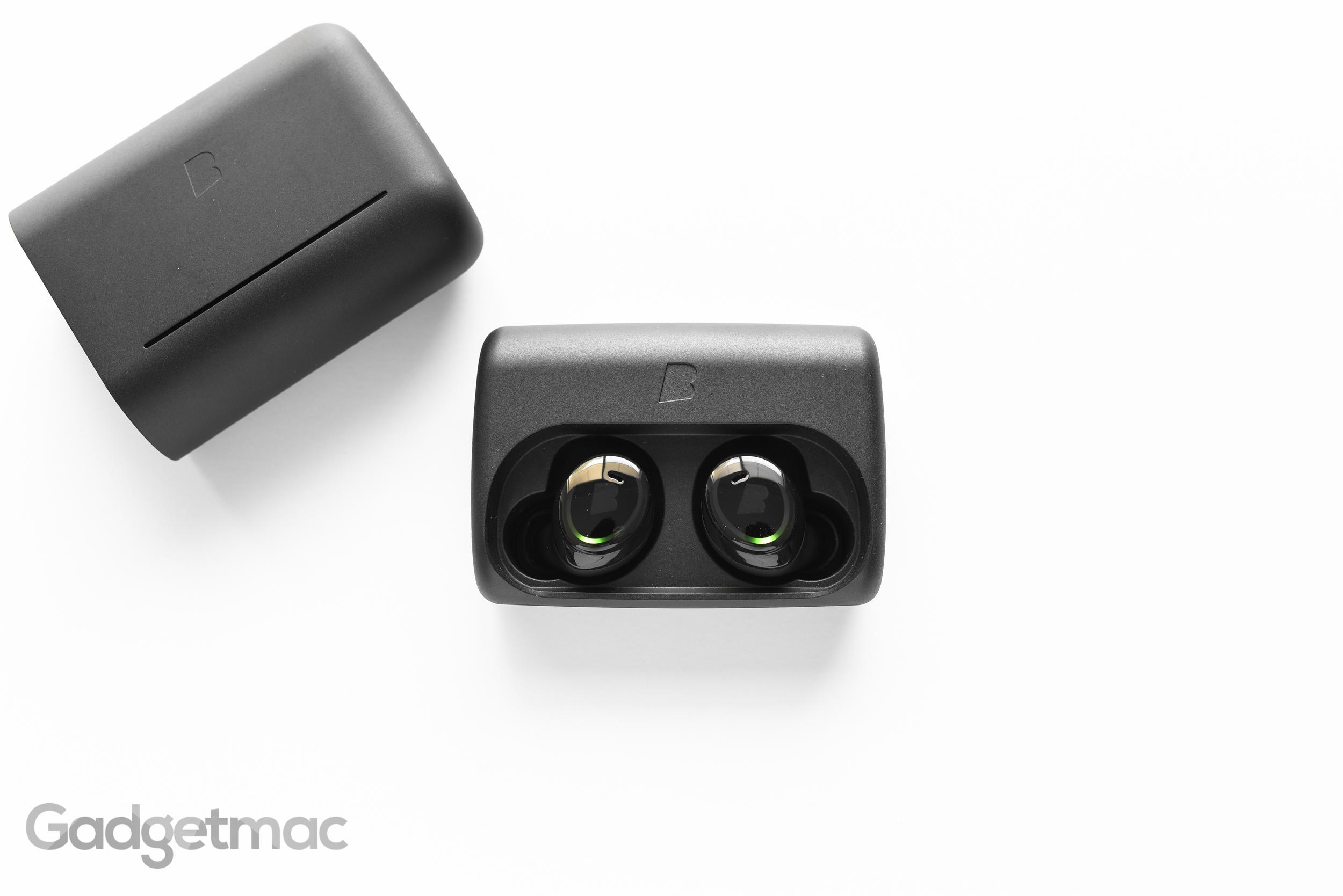 bragi-dash-charging-case-1.jpg