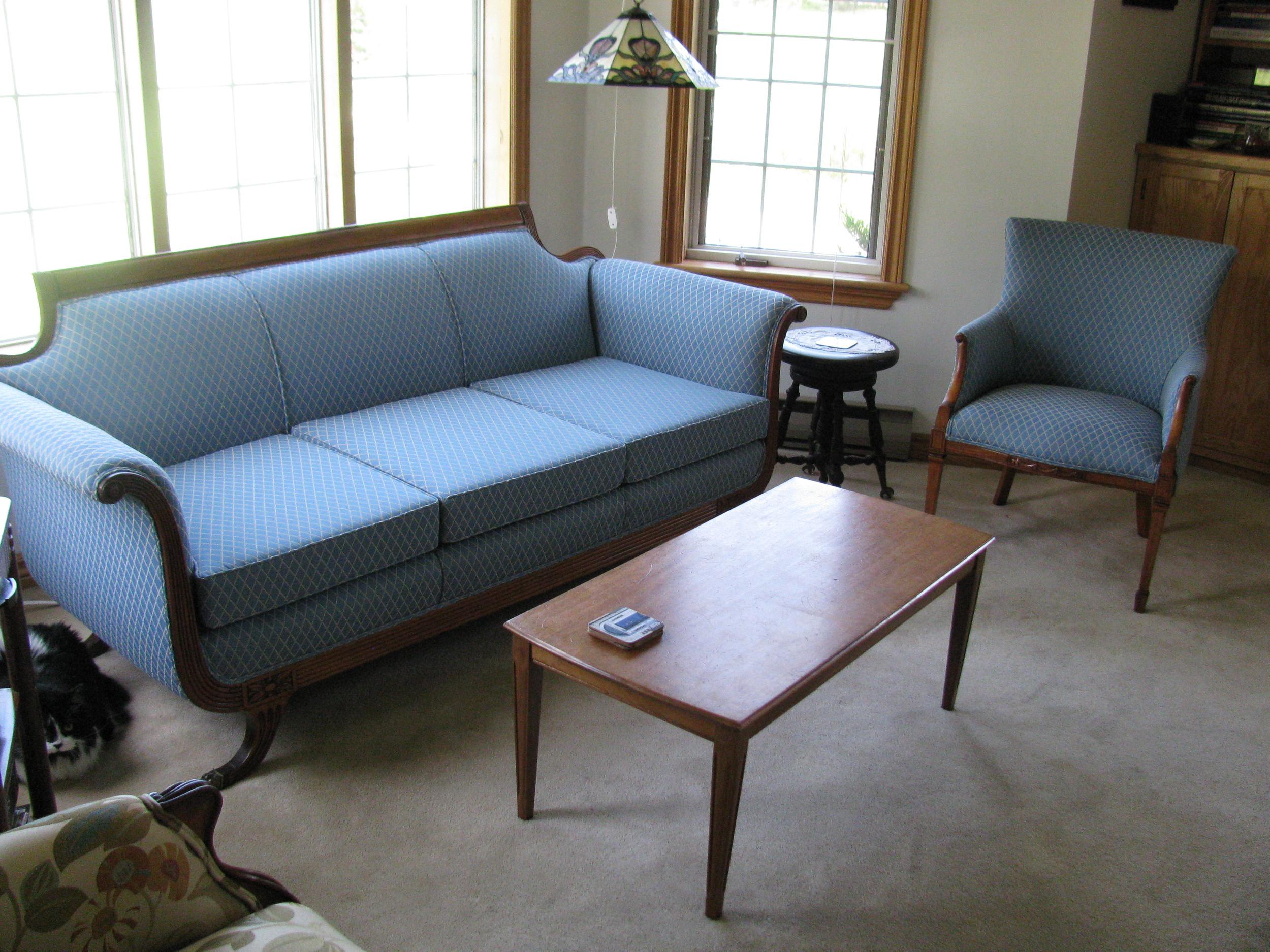 Rembourrage d'un divan et d'un fauteuil