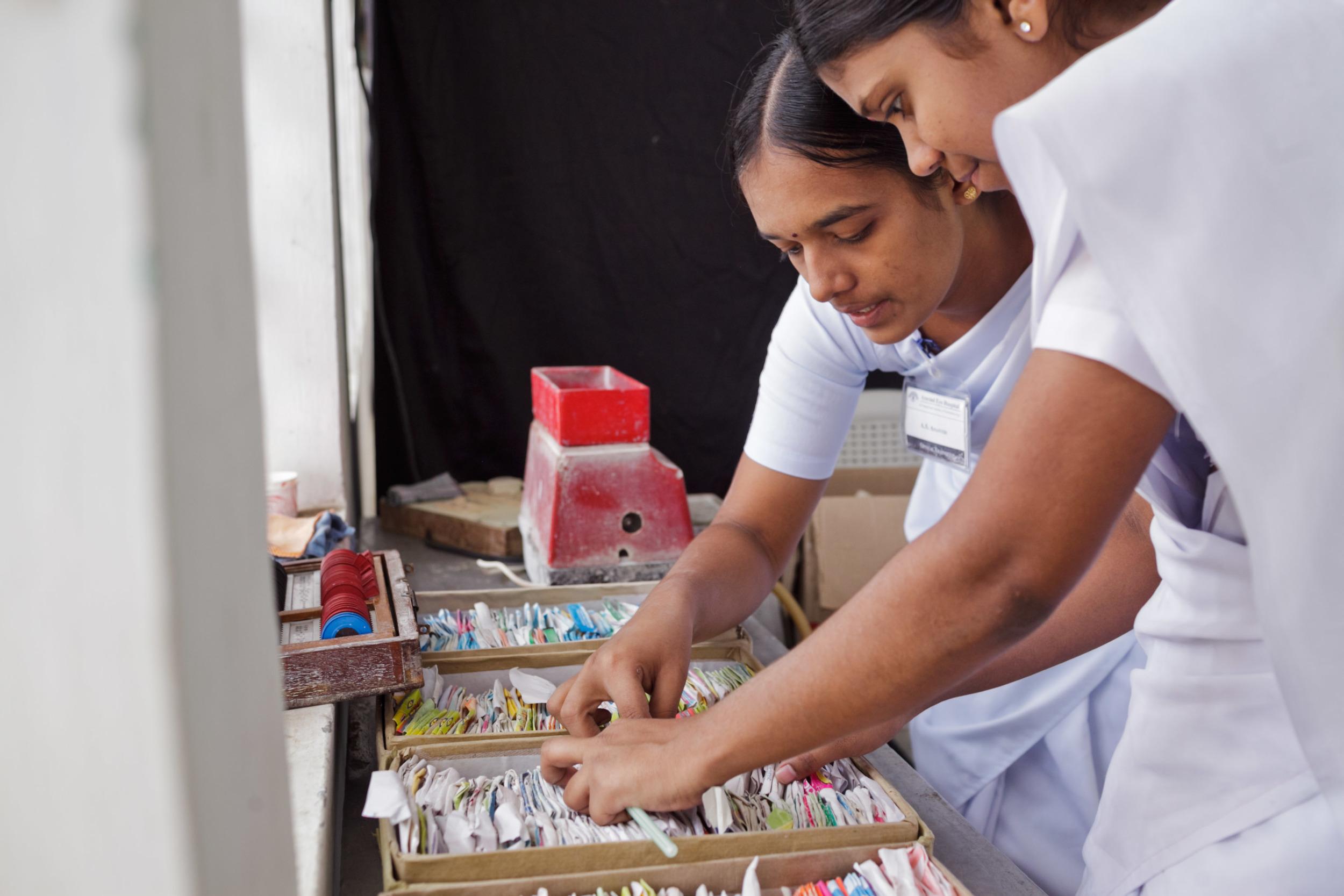 20110226_aravind-field-clinic_10.jpg