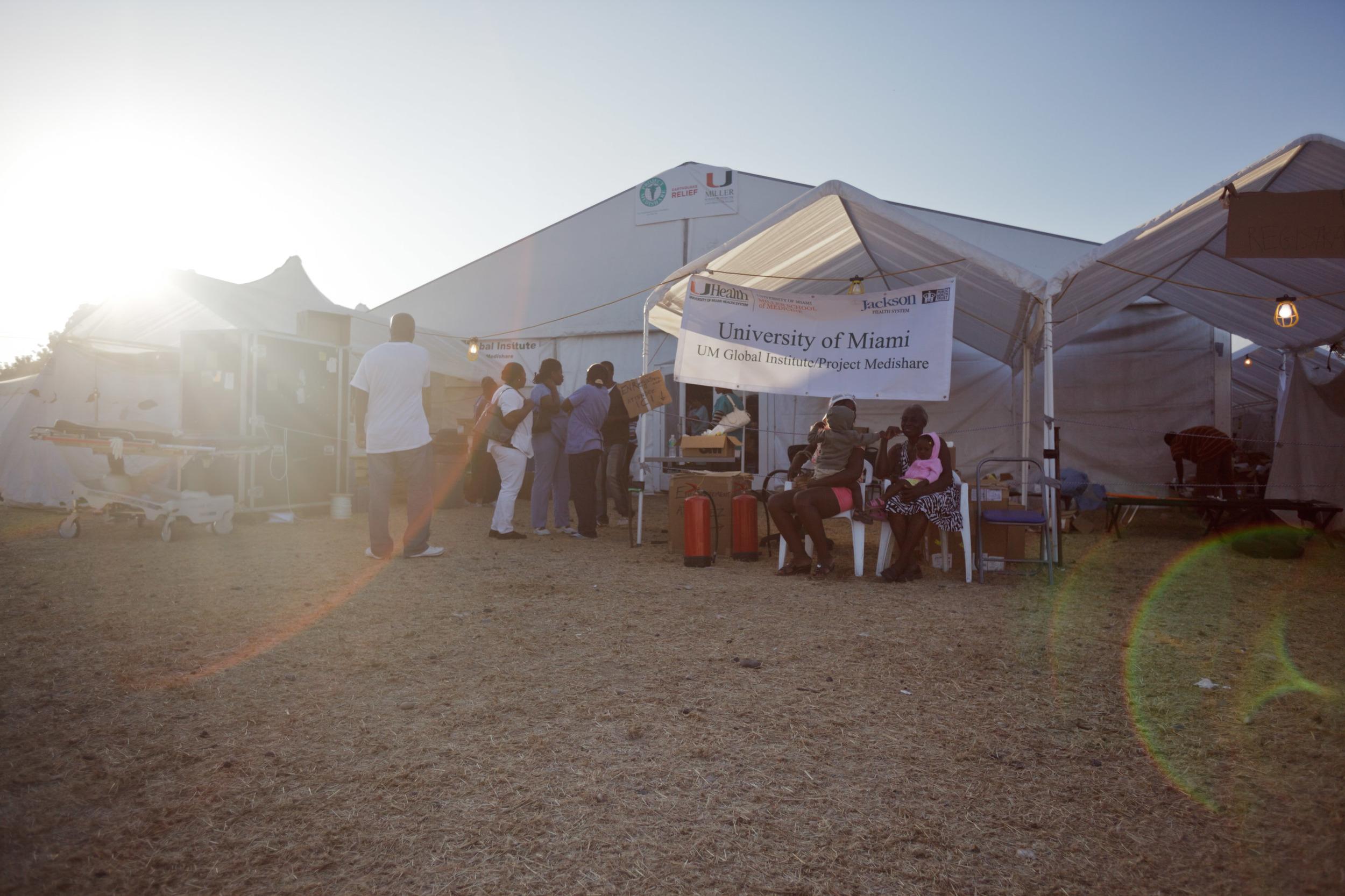 haiti-field-hospital_02.jpg