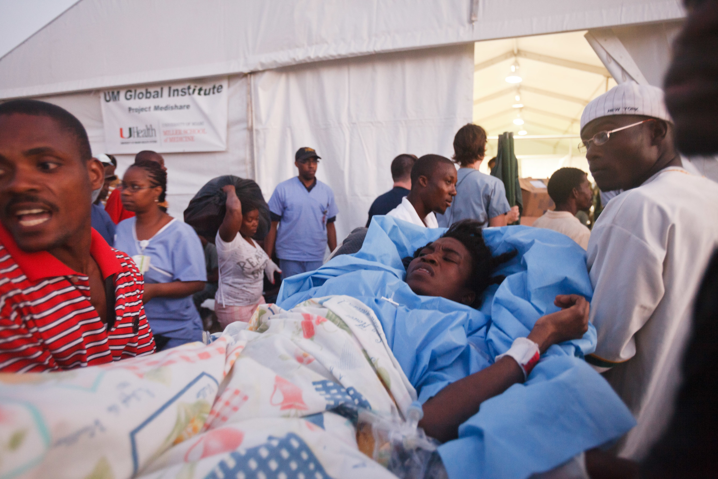 haiti-field-hospital_04.jpg