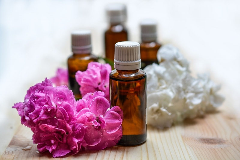 Essential oils are an excellent tool with which to rebalance the Five Elements.