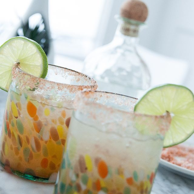 It's #NationalMargaritaDay! Look, we don't have much to say other than click the link in our profile for this amazing Hot Honey Margarita recipe. #julieandjesse