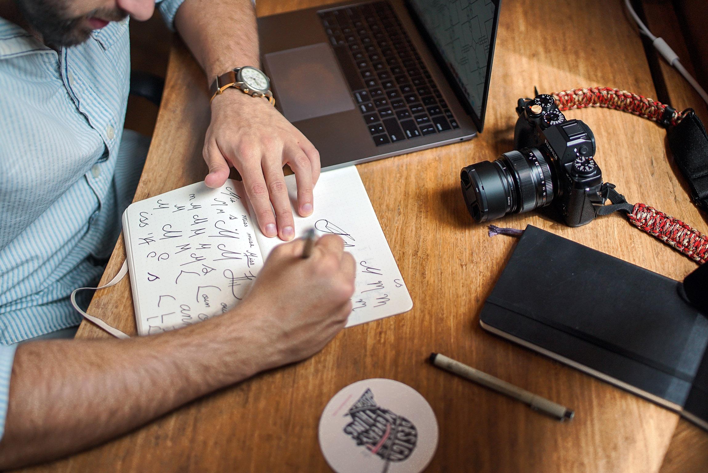 6 branding mistakes to avoid     Hue & Tone Creative