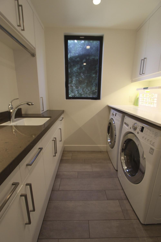 BH1 laundry2.jpg