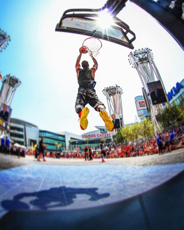 Throwback to @nike3on3 Spam Dunk contest. @airdogg55 flying high on the main court at #mylalive #nike #bball #dunk