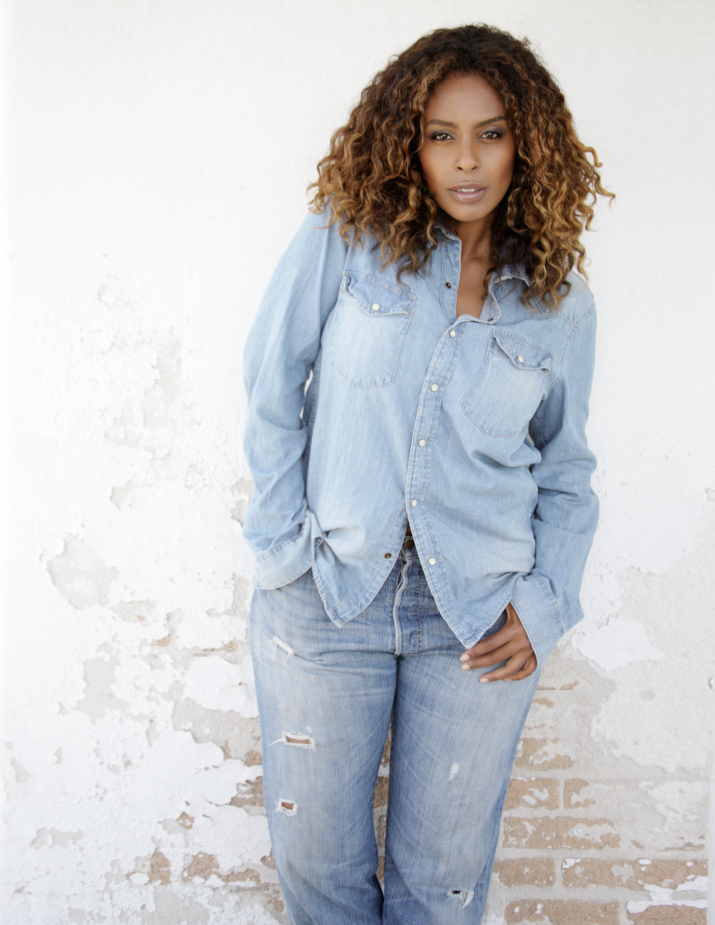 Denim on denim is so classic and chic - it never goes out of style.