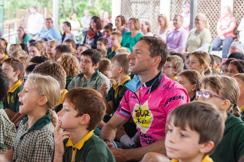 Jens Voigt with School Kids